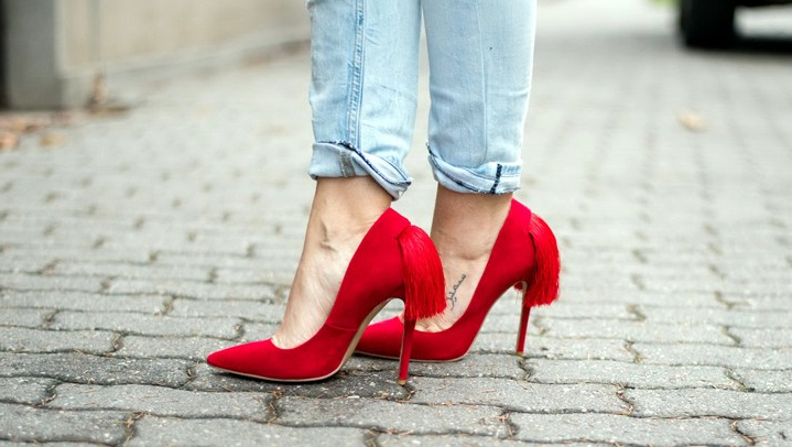 jessica-buurman-red-pumps